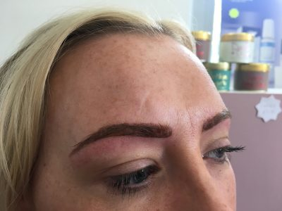 Semi permanent eyebrows 02