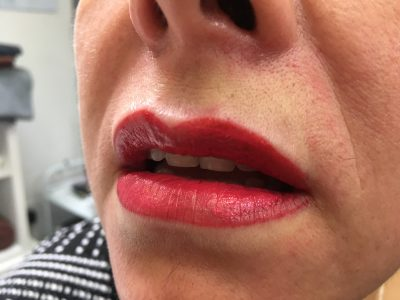 Semi permanent lip makeup 05