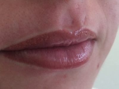 Semi permanent lip makeup 07