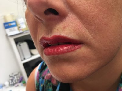 Semi permanent lip makeup 08